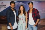 Umeet Vyas, Evelyn Sharma, Karan Kundra at the interview For Stupid Man Smart Phone on 13th Sept 2017 (14)_59ba20217ac5e.JPG