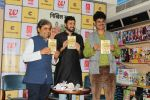 Vishal Bhardwaj At Book Launch of UP 65 by Nikhil Sachan on 13th Sept 2017 (24)_59ba210ba4358.JPG