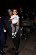 Arpita Khan With Son Ahil Khan Spotted At Airport on 14th Sept 2017 (2)_59bb843d3ea38.JPG