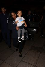 Arpita Khan With Son Ahil Khan Spotted At Airport on 14th Sept 2017 (5)_59bb843f39a02.JPG
