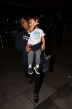 Arpita Khan With Son Ahil Khan Spotted At Airport on 14th Sept 2017 (9)_59bb8441b4e9b.JPG