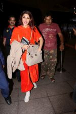 Jacqueline Fernandez Spotted At Airport on 14th Sept 2017 (10)_59bb846adaf46.JPG