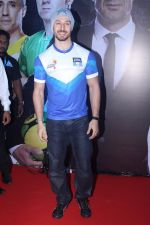 Tiger Shroff at Grand Launch Of Premier Futsal Season 2 Feat on 15th Sept 2017 (82)_59bd350c68998.JPG