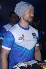 Tiger Shroff at Grand Launch Of Premier Futsal Season 2 Feat on 15th Sept 2017 (85)_59bd350e6fc59.JPG