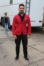 Abhinav Shukla promote Aksar 2 on the Sets Of Comedy Show Comedy Dangal on 17th Sept 2017 (63)_59bf72886b669.JPG