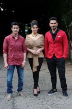 Gautam Rode, Zareen Khan, Abhinav Shukla promote Aksar 2 on the Sets Of Comedy Show Comedy Dangal on 17th Sept 2017 (46)_59bf72f9735a6.JPG