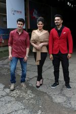 Gautam Rode, Zareen Khan, Abhinav Shukla promote Aksar 2 on the Sets Of Comedy Show Comedy Dangal on 17th Sept 2017 (82)_59bf72fb0798b.JPG