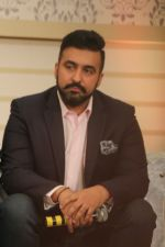 Raj Kundra at the New Show Launch Aunty Boli Lagao Boli on 18th Sept 2017 (33)_59c0b969bf2e3.JPG