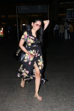 Manyata Dutt Spotted At Airport on 21st Sept 2017 (2)_59c5165f805c1.JPG