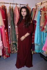 Poonam Dhillon at the Launch Of Padmini Kolhapure & Poonam Dhillon Collection Vivaha on 22nd Sept 2017 (57)_59c52e435c440.JPG