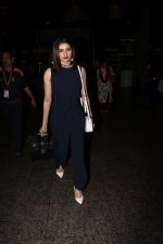Prachi Desai Spotted At Airport on 23rd Sept 2017 (3)_59c6004818494.JPG