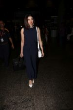 Prachi Desai Spotted At Airport on 23rd Sept 2017 (4)_59c60048a5984.JPG