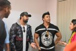 Rannvijay Singh, Sahil Khan Came to Conduct audition Of their New Fitness Reality Show on 26th Sept 2017 (46)_59ca03339f513.JPG