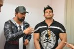 Rannvijay Singh, Sahil Khan Came to Conduct audition Of their New Fitness Reality Show on 26th Sept 2017 (49)_59ca033439ea6.JPG