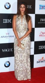 Shweta Nanda at the Red Carpet Of Vogue Women Of The Year 2017 on 25th Sept 2017 (33)_59c9c76231bf3.JPG