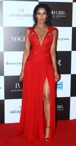 at the Red Carpet Of Vogue Women Of The Year 2017 on 25th Sept 2017 (12)_59c9c67e1508f.JPG