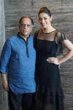 Pahlaj Nihalani, Raai Laxmi Spotted During Promotional Interview For Film Julie 2 on 27th Sept 2017 (41)_59ccdd79b863d.JPG