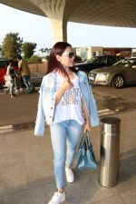 Sana Khan Spotted At Airport on 28th Sept 2017 (8)_59cce3842d102.JPG