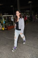 Evelyn Sharma Spotted At Airport on 29th Seprt 2017 (10)_59d21d6f96a1a.JPG