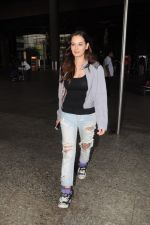 Evelyn Sharma Spotted At Airport on 29th Seprt 2017 (2)_59d21cb30f79e.JPG