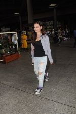 Evelyn Sharma Spotted At Airport on 29th Seprt 2017 (9)_59d21d5fb0e45.JPG