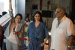 Sridevi, Boney Kapoor at the Launch Of IPhone 8 & IPhone 8+ At iAzure on 29th Sept 2017 (43)_59d21ef04424d.JPG