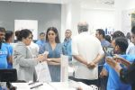 Sridevi, Boney Kapoor at the Launch Of IPhone 8 & IPhone 8+ At iAzure on 29th Sept 2017 (52).JPG_59d22388a7ce9.JPG