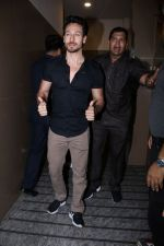 Tiger Shroff At Special Screening Of Film Judwaa 2 on 29th Sept 2017 (146)_59d22a1880796.JPG
