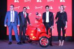 Farhan Akhtar Launch Of Vespa Red on 3rd oct 2017 (17)_59d5378116e5a.JPG