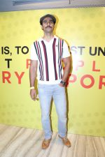 Kunal Kapoor At Asia Largest Content Creation Festival on 30th Sept 2017 (8)_59d51b68369a8.JPG