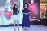 Aditi Govitrikar At Launch Of Max Festive Collection on 4th Oct 2017 (25)_59d659c0c42a7.JPG