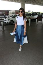 Shriya Saran Spotted At Airport on 5th Oct 2017 (3)_59d727518c8d6.JPG