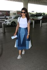 Shriya Saran Spotted At Airport on 5th Oct 2017 (4)_59d7276aeb6ad.JPG