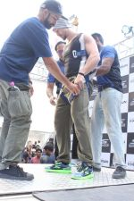 Tiger Shroff at the launch of Skechers Go Run 5 running Shoes on 6th Oct 2017 (100)_59d8a6cdb56b7.JPG