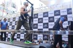 Tiger Shroff at the launch of Skechers Go Run 5 running Shoes on 6th Oct 2017 (115)_59d8a73ab8909.JPG