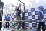 Tiger Shroff at the launch of Skechers Go Run 5 running Shoes on 6th Oct 2017 (116)_59d8a740d1a42.JPG