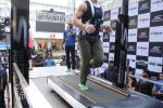 Tiger Shroff at the launch of Skechers Go Run 5 running Shoes on 6th Oct 2017 (119)_59d8a75fcdb85.JPG