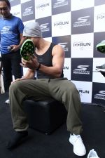 Tiger Shroff at the launch of Skechers Go Run 5 running Shoes on 6th Oct 2017 (77)_59d8a5752b4d5.JPG