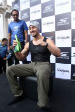 Tiger Shroff at the launch of Skechers Go Run 5 running Shoes on 6th Oct 2017 (82)_59d8a5bad6e30.JPG