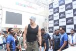 Tiger Shroff at the launch of Skechers Go Run 5 running Shoes on 6th Oct 2017 (96)_59d8a6a2d4df0.JPG