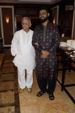 Gulzar, Nihal Singh at the Launch Of Bhupinder-Mitali Latest Maiden Album on 7th Oct 2017 (111)_59da36ed226d6.JPG