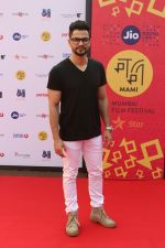 Kunal Khemu at Golmaal Again Team At Jio Mami Film Mela on 7th Oct 2017 (13)_59da275a6b5a0.JPG