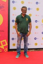 Nitesh Tiwari At Jio Mami Film Mela on 7th Oct 2017 (4)_59da2f38b6418.JPG