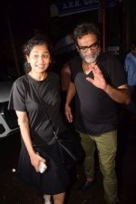 Gauri Shinde, R Balki Spotted At Estella on 10th Oct 2017 (8)_59ddcd6a6e681.JPG