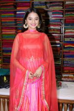 Helly Shah At Store Launch Of Sundari Silks on 10th Oct 2017 (13)_59ddc2e13567a.JPG