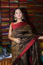 Helly Shah At Store Launch Of Sundari Silks on 10th Oct 2017 (38)_59ddc2ef39268.JPG