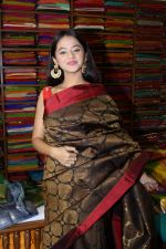 Helly Shah At Store Launch Of Sundari Silks on 10th Oct 2017 (39)_59ddc2efc772d.JPG
