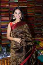 Helly Shah At Store Launch Of Sundari Silks on 10th Oct 2017 (40)_59ddc2f05943c.JPG