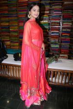 Helly Shah At Store Launch Of Sundari Silks on 10th Oct 2017 (8)_59ddc2de7b0d5.JPG