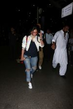 Manyata Dutt Spotted At Airport on 12th Oct 2017 (29)_59e06cfa55f98.JPG